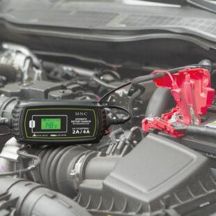 Autós akkumulátor töltő - 230 V - 2 A / 4 A - automata