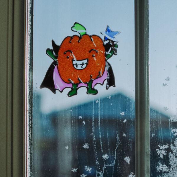 Halloween-i ablakdekor - Csillámos, színes tök